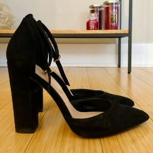 Block Heels with Point Toe- Black